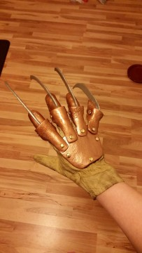 Freddy Glove Project (10)