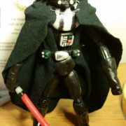 darth_vadar_figurine_1